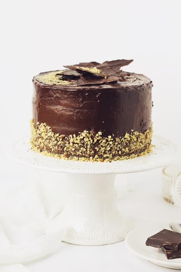 tort cu ciocolata si nuci