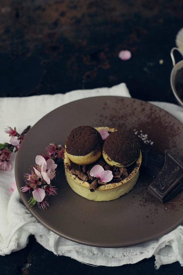 Tarte cu ciocolata, caramel si choux