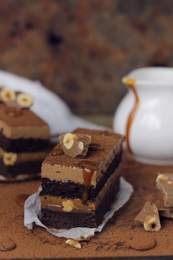 prajitura cu ciocolata si alune
